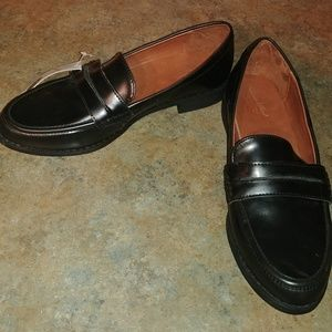 Universal Thread Quinn Closed Back Loafers